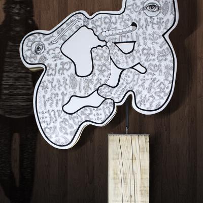 « RongoRongo », 2018 /  sculpture acrylique sur bois et métal / 105x175x35 cm